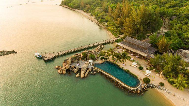 Khung cảnh trên cao vịnh Ninh Vân Nha Trang